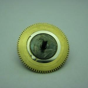 Barillet après restauration, roue, ressort et cliquet refaits