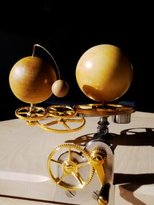 orery. planétarium. Luc Monnet mechanical orrery