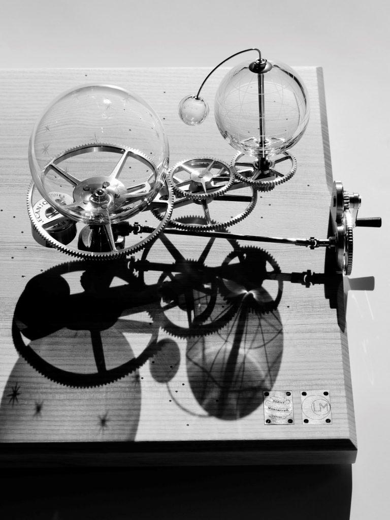 orrery handmade. Planétarium horloge. Artsmécaniques. Clockart. Clock arts